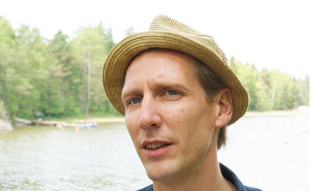 Pekka Strang valmistautui Tom of Finlandin rooliinsa huolella.
