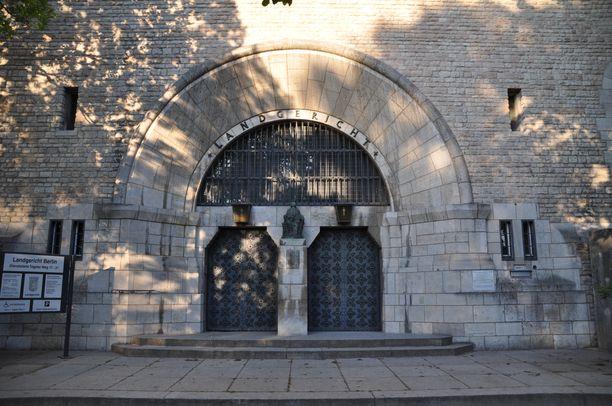 Oikeudenkäynti pidetään Berliinin käräjäoikeudessa.