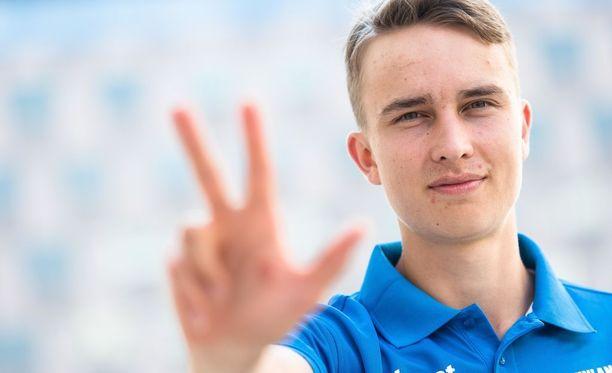 Lappeenrannan Urheilu-Miesten Simo Lipsanen on 22-vuotias. Hän harrastaa vapaa-ajallaan raveja.