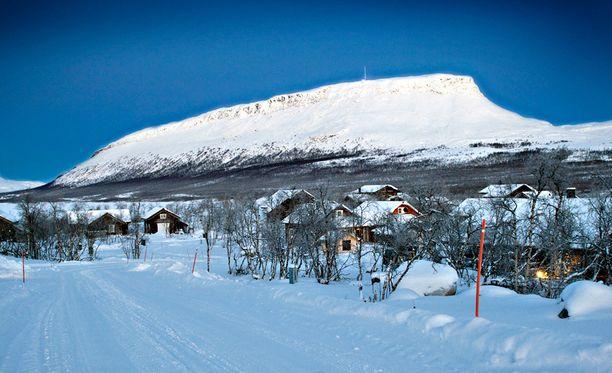 Hirmumyrskyn raja ylitettiin muun muassa Kilpisjärven Saana-tunturilla.