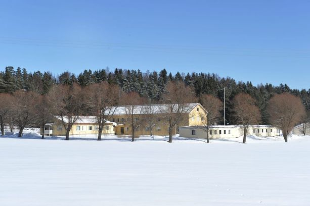 Ehdonalaiseen laskettava nainen vietti osan vankeusvuosistaan Vanajan vankilassa, joka on antanut lausunnon hänestä Helsingin hovioikeudelle.
