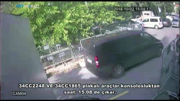 Musta pakettiauto lähti saudikonsulaatilta 2. lokakuuta kolmen jälkeen iltapäivällä edellään musta henkilöauto. Molemmat kulkivat konsulin asunnolle.