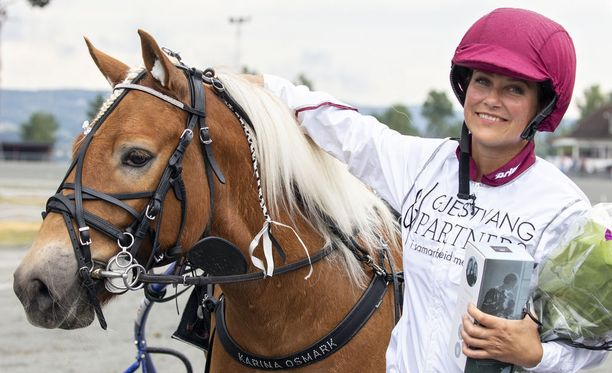 Rautias poni tutustutti Märtha Louisen raviurheilun saloihin.