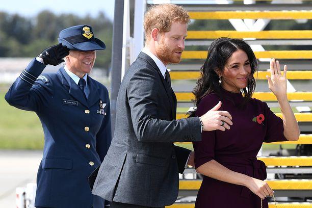 Prinssi Harryn ja herttuatar Meghanin vierailua on seurattu tavallistakin suuremmalla mielenkiinnolla, sillä Meghan odottaa pariskunnan esikoista.