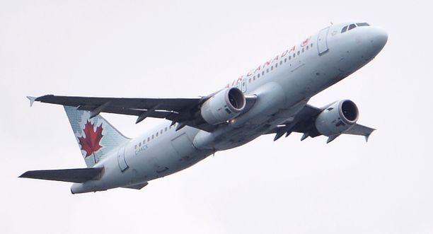 Air Canadan Airbus A320-211 -matkustajakoneessa koettiin kauhunhetkiä viime vuoden heinäkuussa.