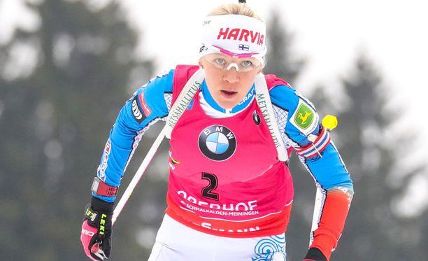 Neljä sakkoa ampunut Kaisa Mäkäräinen nousi Anterselvassa kolmanneksi.