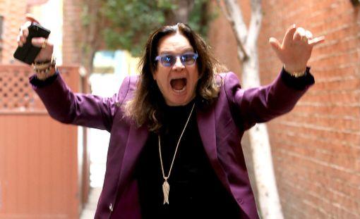 Ozzy Osbourne esiintyy kesäkuussa Hyvinkäällä. Mies on sanonut maailmankiertueen olevan hänen viimeisensä.