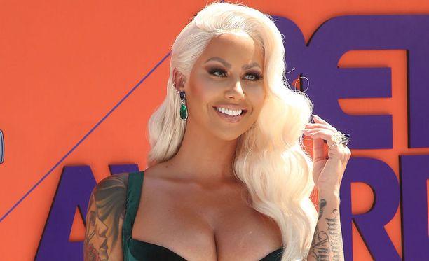 Amber Rose ilmoitti poliisille timanttisormuksen katoamisesta.