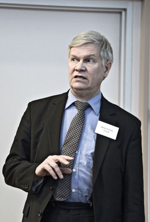 -Suomessakin joidenkin lasten oireet ovat alkaneet HPV-rokotusten jälkeen, mutta oireita on alkanut myös ilman HPV-rokotusta, Markku Partinen toteaa.