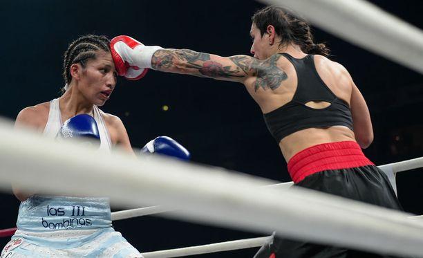 Eva Wahlström otti upean voiton Hartwall-areenan nyrkkeilyillassa.