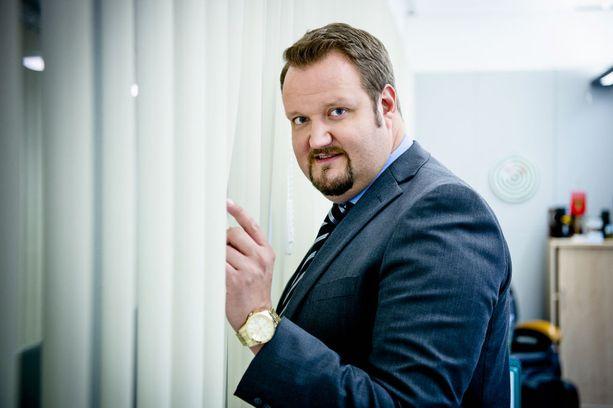 Sami Hedberg tähdittää Konttori-sarjaa, jonka kolmatta kautta kuvataan parhaillaan.