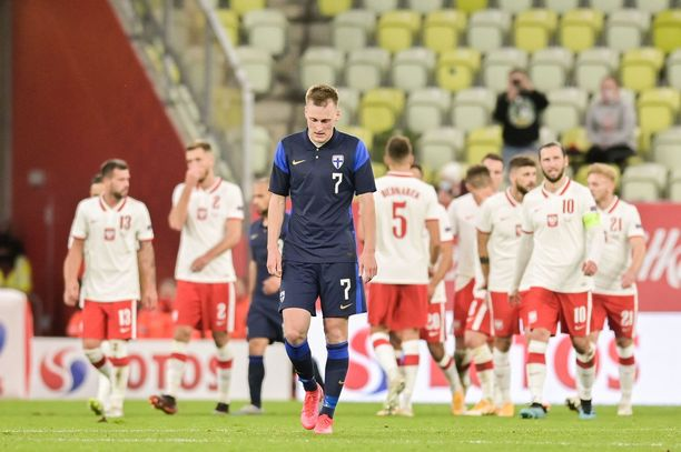 Rasmus Karjalainen joutuu viikoiksi sivuun jalkapallokentiltä.