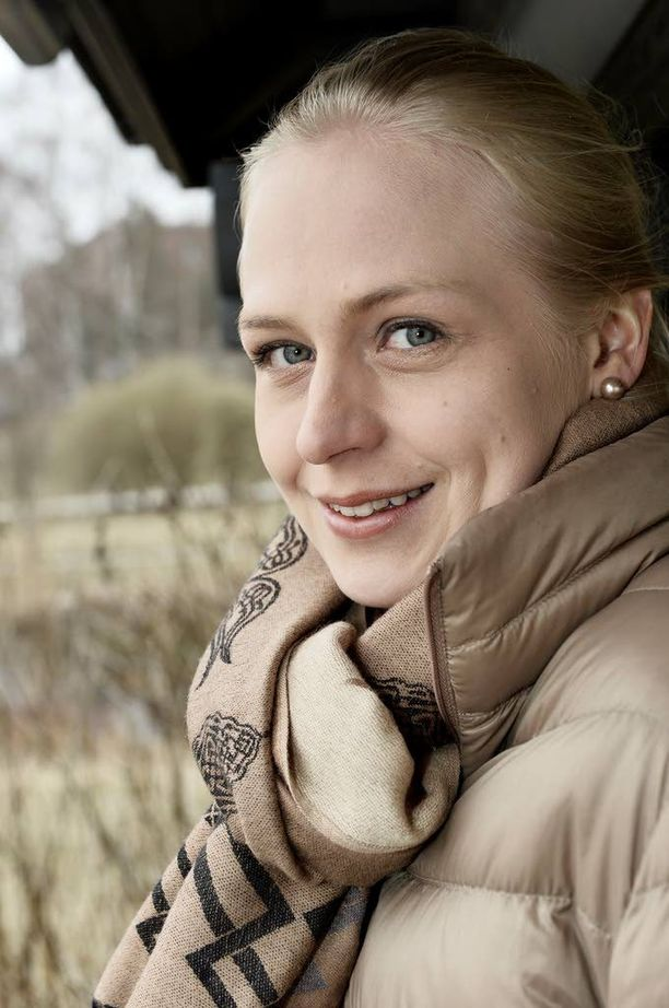 Elina Lepomäki harkitsee Stubbin haastamista.