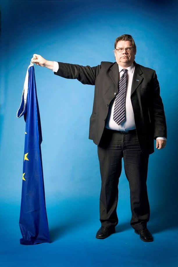 Timo Soinin johtamaa puoluetta on kuvailtu ulkomailla euroskeptiseksi nationalistipuolueeksi (BBC Hard Talk) sekä anti-EU-puolueeksi (Die Weltwoche).