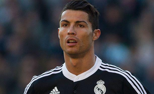 Cristiano Ronaldon arvo on tähtitieteellinen.