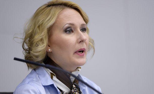 Maria Lohelan hiukset ovat saaneet uutta ilmettä.