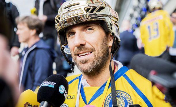 Henrik Lundqvist maski tuottaa mukavan summan syöpäsairaiden lasten hyväksi.