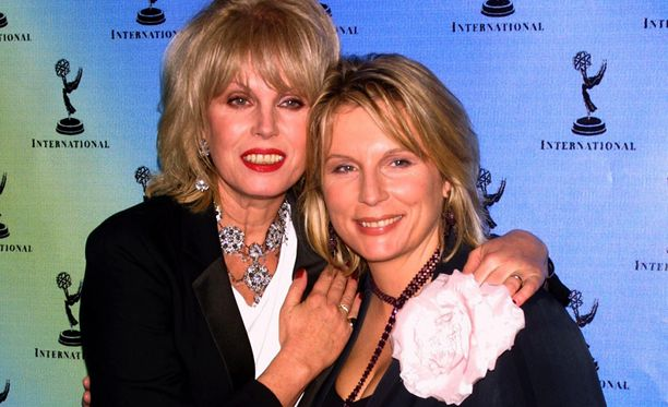 Patsy ja Edina eli Lumley ja Saunders vuonna 2001.