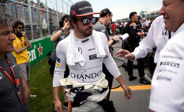 Fernando Alonso on uhkaillut jättävänsä McLarenin, jos talli ei saa autoista nähtyä kilpailukykyisempiä.