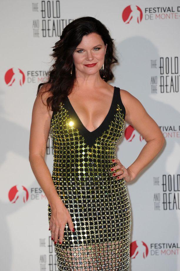 Heather Tom on näytellyt vuodesta 2007 lähtien sarjassa Katie Logania.