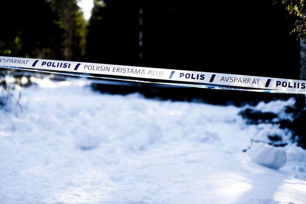Poliisi oli eristänyt tapauksen tutkinta-alueen Parkanon aseman läheisyydessä perjantaina.