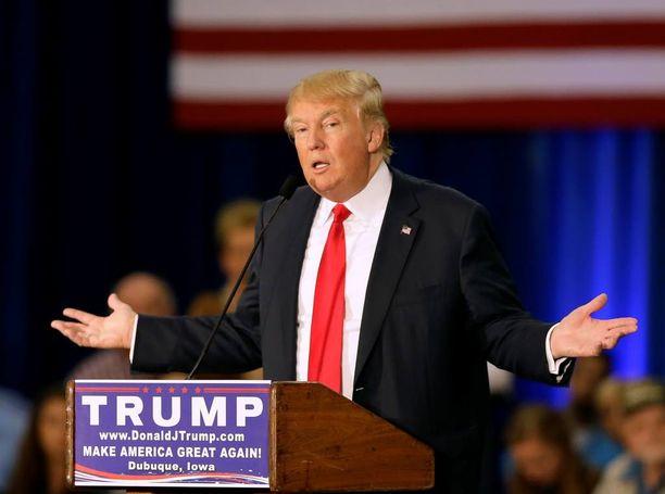 Donald Trump haluaa heittää paperittomat siirtolaiset ulos maasta.