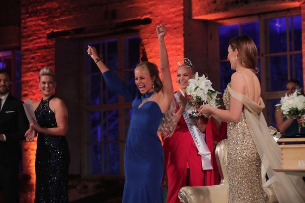 Uusi Miss Suomi tuuletti valintaansa.