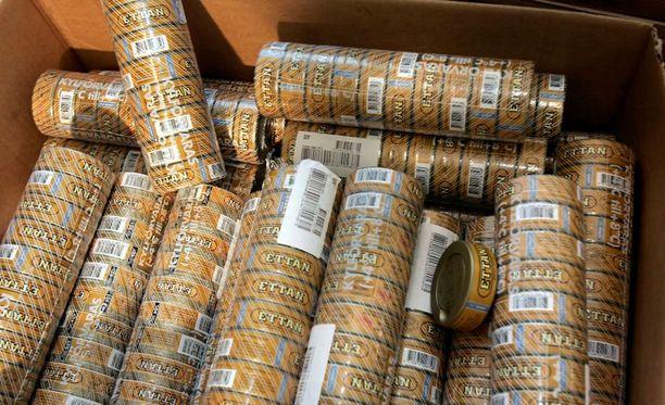 Miehet toivat Ruotsista Suomeen nuuskaa satoja kiloja tuontirajoituksia enemmän.