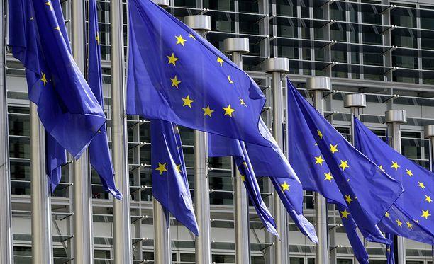EU-tuomioistuimen odotetaan antavan tänään ratkaisunsa EU-maiden turvapaikanhakijoiden sisäisiä siirtoja koskevassa asiassa.