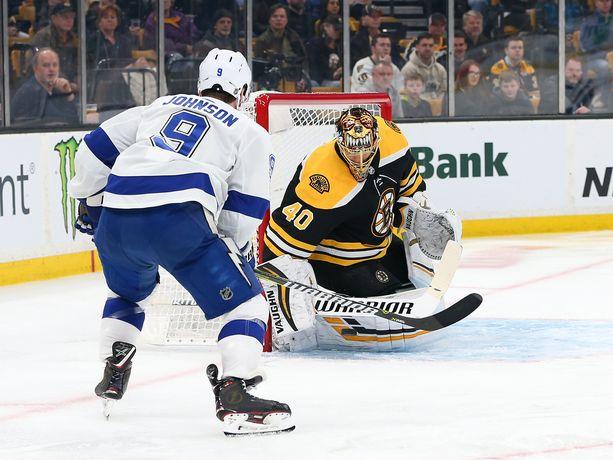 Boston Bruinsin suomalaisvahti Tuukka Rask piti Tampa Bay Lightningin Tyler Johnsonin ja kumppanit yhdessä maalissa ja päätti näin yhden mestarisuosikin voittoputken 10 otteluun.