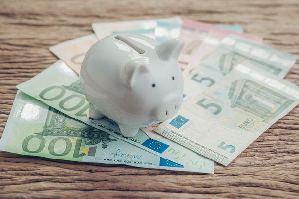 Lahjapöytään sijoitettu säästöpossu antaa vieraalle mahdollisuuden valita lahjoitettu summa ilman häpeää.