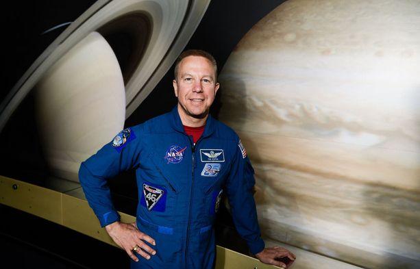 Yhdysvallat lahjoitti Suomelle suomalaistaustaisen astronautti Timothy Kopran mukana avaruudessa olleen Sibelius-keräilyrahan.