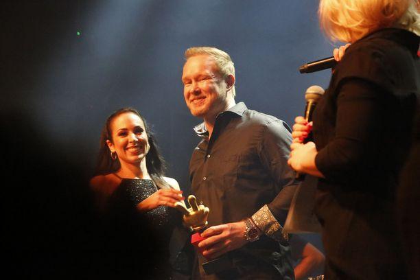 Ex-jääkiekkoilija Janne Niinimaa sai Vuoden rock-teko -palkinnon.