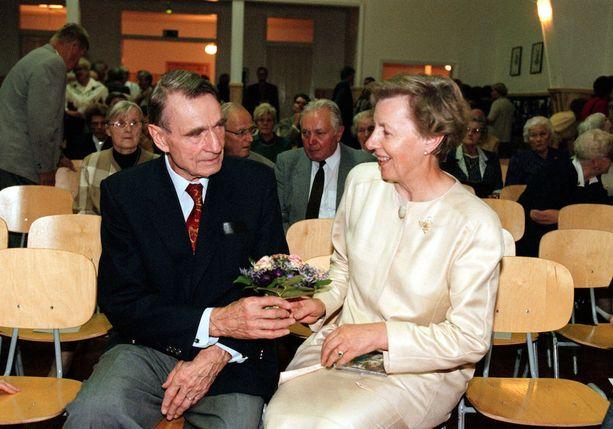 Mauno ja Tellervo Koivisto kuvattuna vuonna 1999.