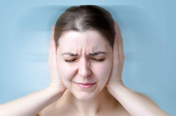 Arviolta puoli miljoonaa suomalaista kärsii tinnituksesta.
