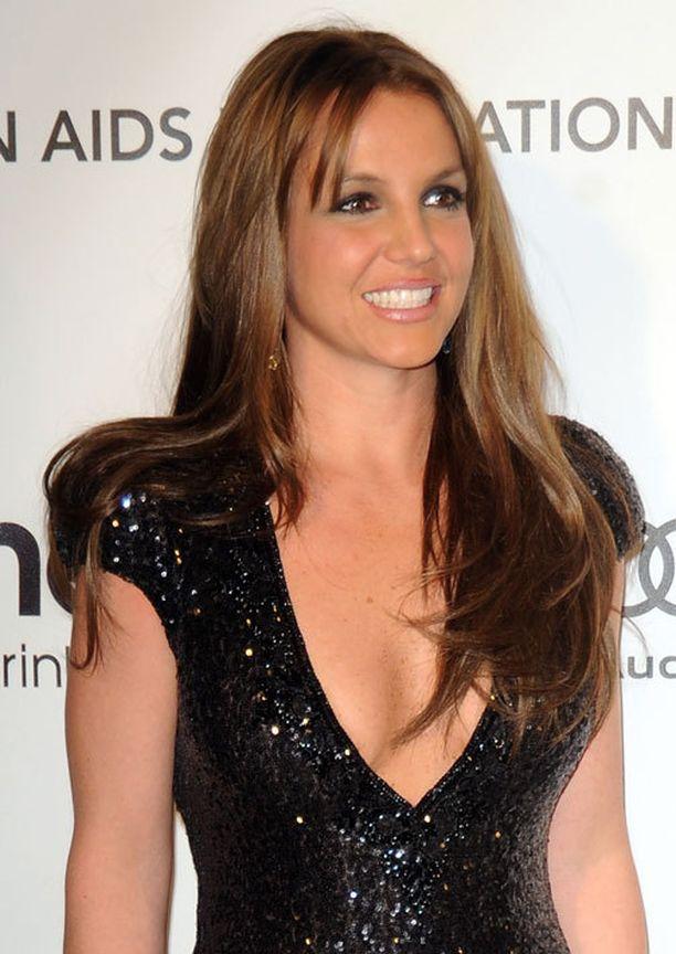 Britney säteili uudessa hiusvärissä.