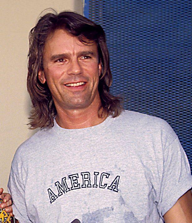 90-luvun alussa näyttelijä antoi takatukan liehua.