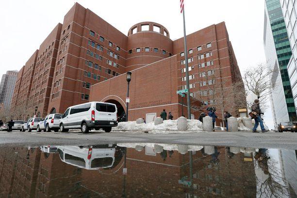 Pääkäsittely alkoi keskiviikkona. Oikeudenkäynnin valmisteluun ja valamiehistön valintaan kului liki kaksi kuukautta.