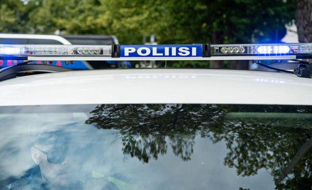Poliisi kertoo, että henkilöauton kuljettaja menehtyi liikenneonnettomuudessa Kangasalla.