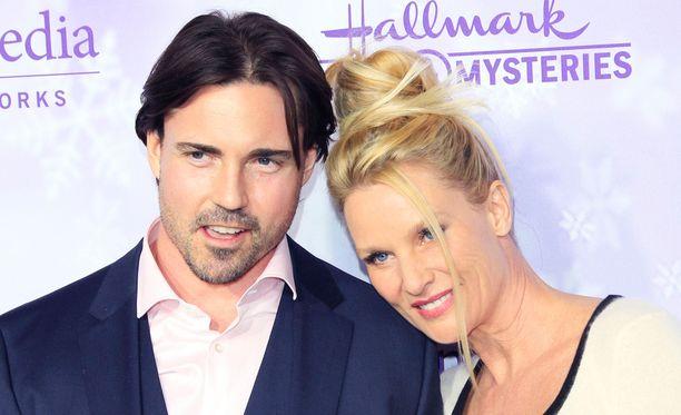 Denise Richardsin tuleva mies Aaron Phypers oli aiemmin alle kaksi vuotta naimisissa Nicollette Sheridanin kanssa.