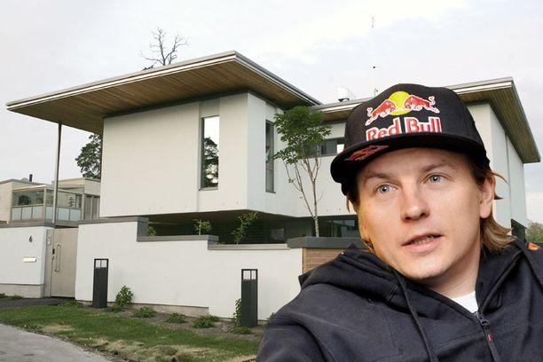 NELIÖHINTA 27 566 €. Kimi Räikkösen Helsingin Kaskisaaressa sijaitseva omakotitalo on ollut kaupan jo kaksi vuotta. Asuinneliöitä talossa on 526, ja hintaa sillä on 14,5 miljoonaa euroa.