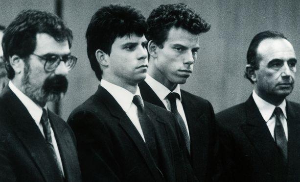 Lyle ja Erik Menendez tuomittiin elinkautiseen vanhempiensa murhasta.