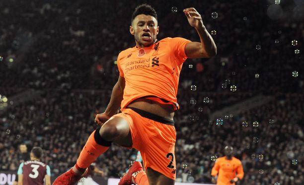 Alex Oxlade-Chamberlain varmisti Liverpoolin vierasvoiton 3-1-osumallaan.