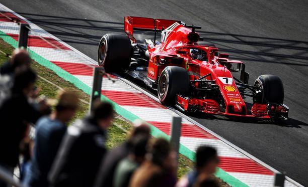 Kimi Räikkönen näytti, että Ferrari toimii myös hänen komennossaan.