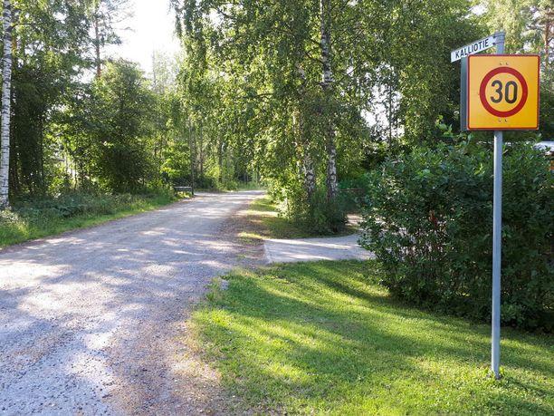 Anni Törn lähti sunnuntaina aamuyöllä matkaan ystäviensä luota Kalliotieltä Savonlinnan Kellarpellosta.