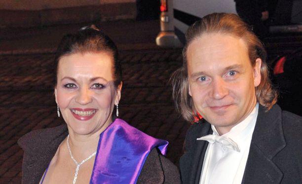 Riitta Havukainen ja Eppu Salminen elivät yhdessä parikymmentä vuotta. Heillä on yksi yhteinen poika ja molemmilla on yli 20-vuotiaat lapset aiemmista suhteistaan.
