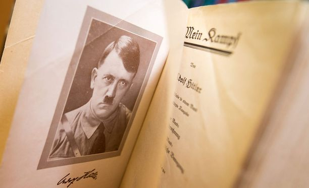 Adolf Hitlerin Mein Kampf -kirjasta julkaistiin uusi, selityksin varustettu painos.
