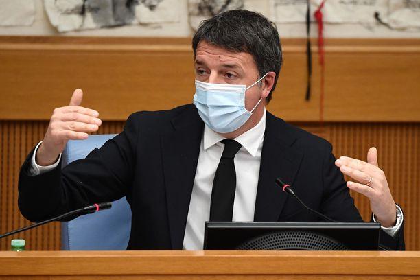 Italia Viva -puolueen johtaja Matteo Renzi on pääministerin kanssa eri mieltä koronapandemian hoidosta.