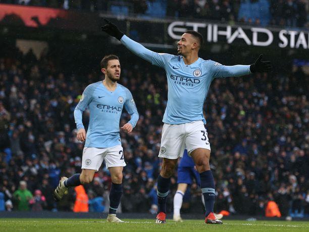 Gabriel Jesus oli Manchester Cityn sankari kahdella maalillaan.