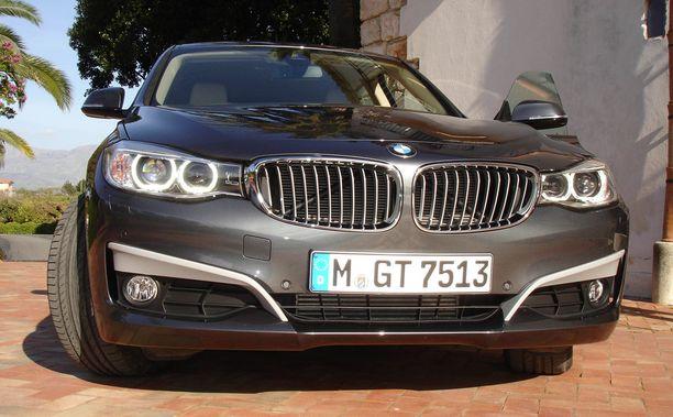 Isossa keskiluokassa BMW 3-sarjalainen oli väkevä paljon ajettuna.